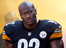 Acereros libera al líder de su defensa, James Harrison