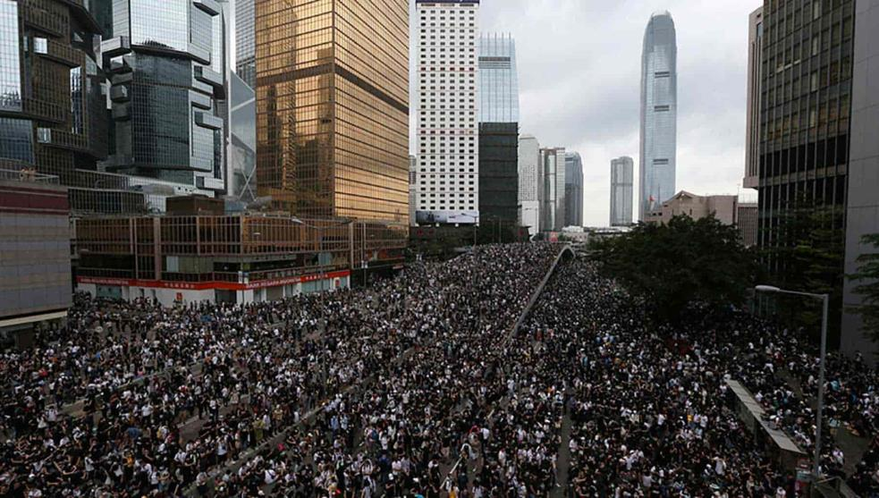 5 claves para entender la multitudinaria protesta en Hong Kong