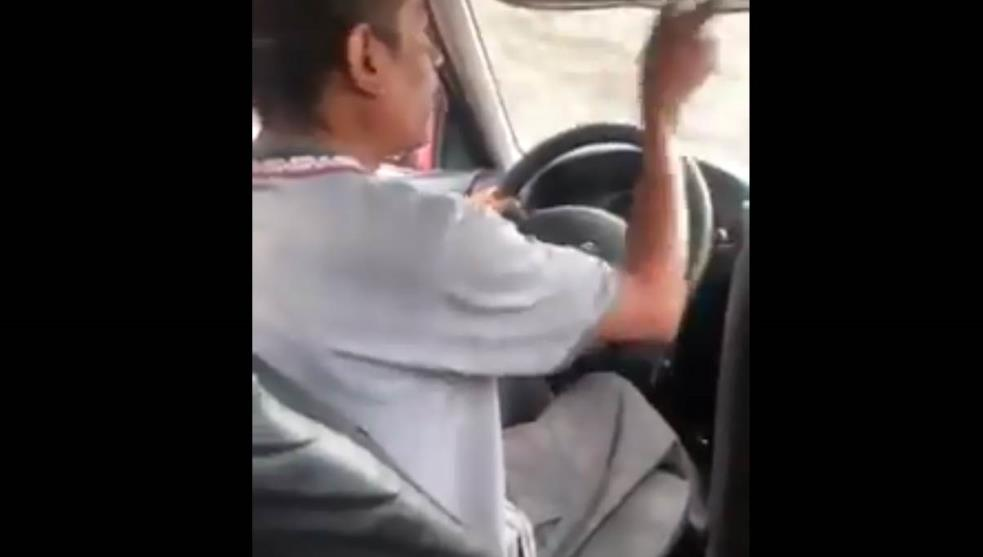 "Taxista a clienta: ""No soy banco para traer cambio...pen"" (Video)"