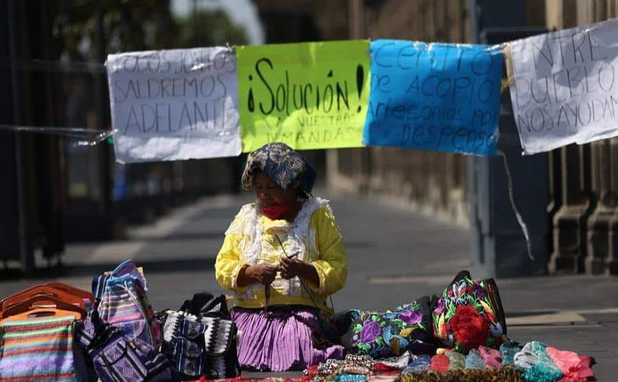 Mexican artisans return to barter system in face of economic crisis