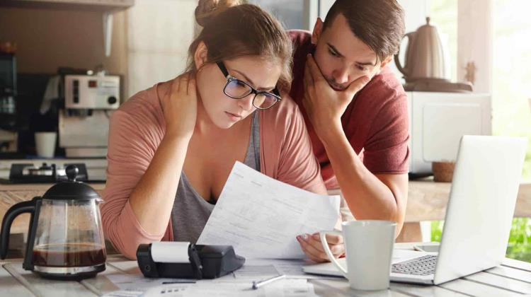Recognize these practices to pay off your financial debts